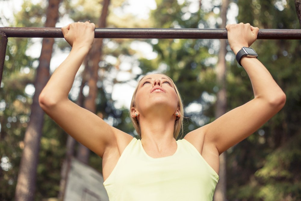 Effective pull-up program for beginners on the horizontal bar